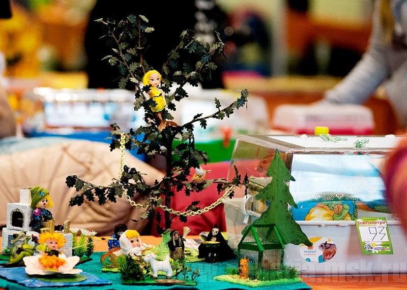 Не менее азартной была конкуренция среди участников конкурса на лучший рисунок или поделку, который также проводился на выставке.