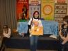 Мама Князевой Маргариты (Санкт-Петербург) получает призом от организаторов выставки